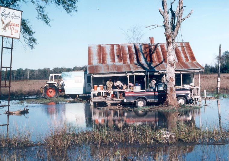 Swapping stories in louisiana for Louisiana fishing camps