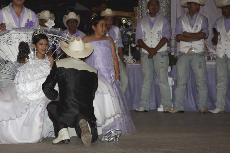 the quinceaera essay It's this kind of subtle analysis that makes one upon a quinceañera an  indispensable book, but it's alvarez's novelistic eye that also makes it.